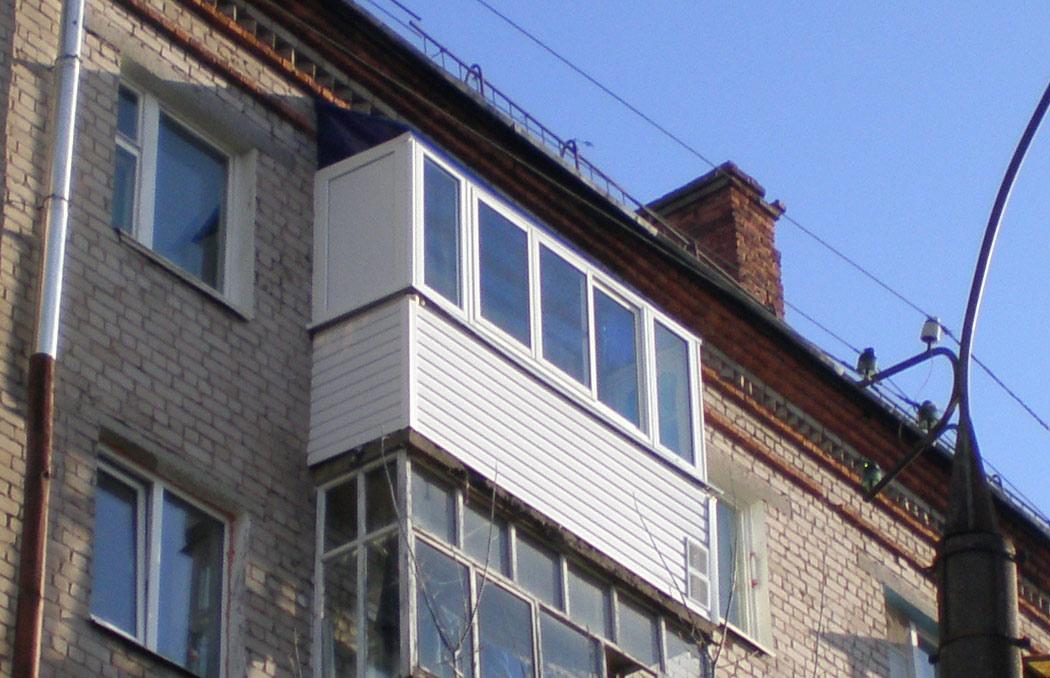 Остекление балконов 5 этаж.