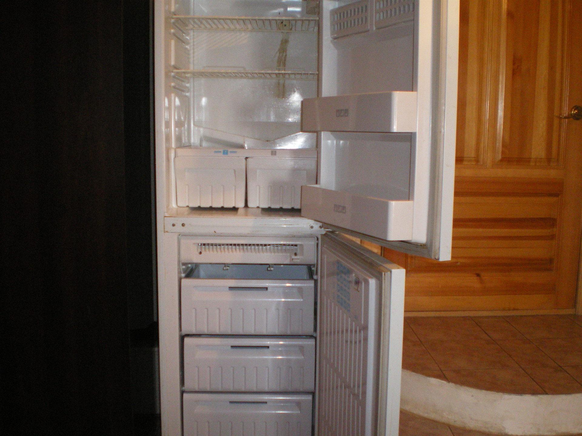 фото холодильник стинол трехкамерный