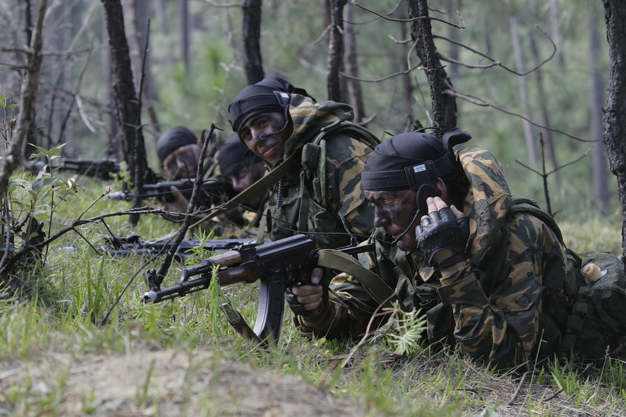 Российские военные пригласили китайских коллег на танковый биатлон на Урале