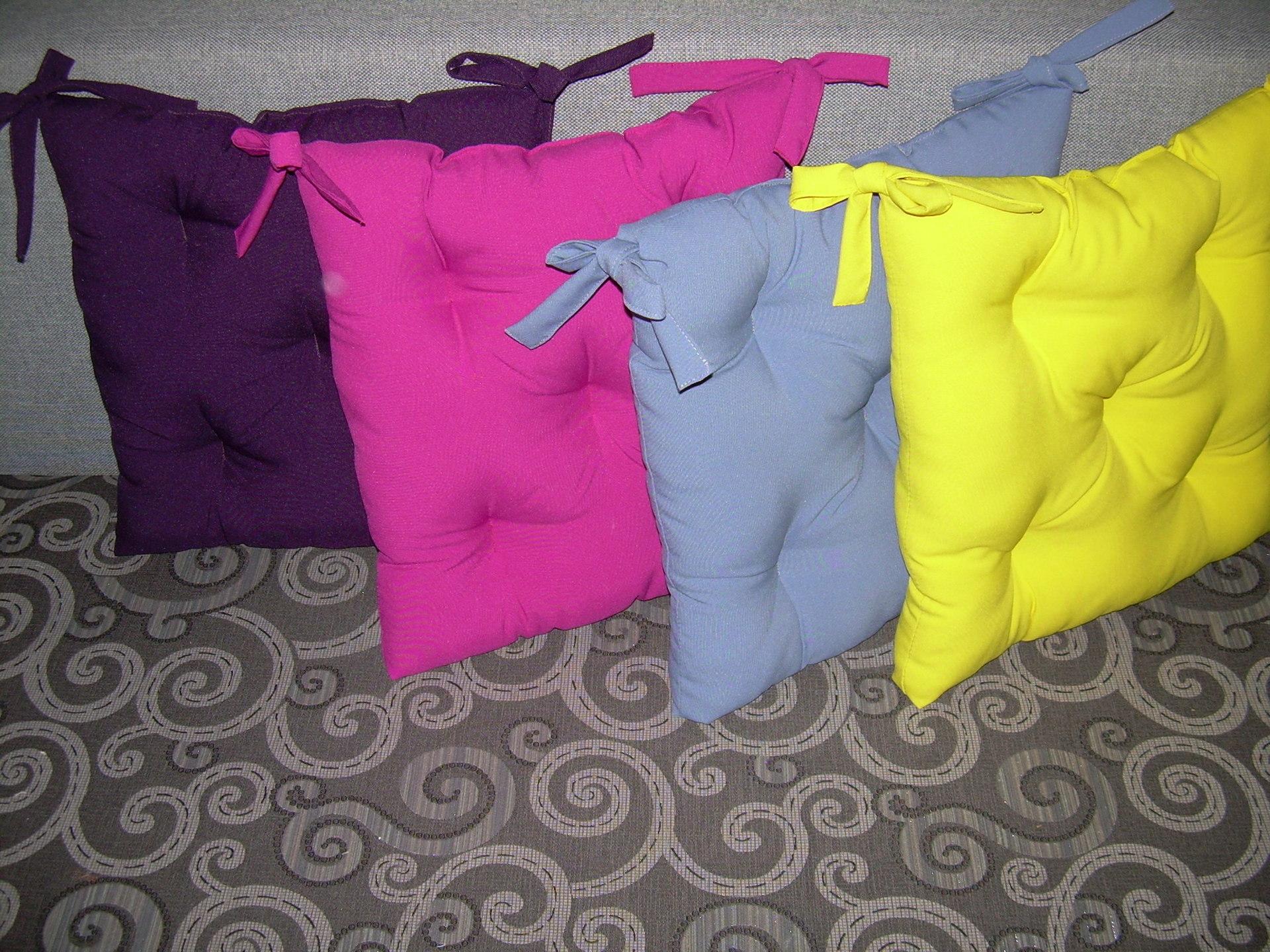 Как сшить мягкую подушку для стула фото 827