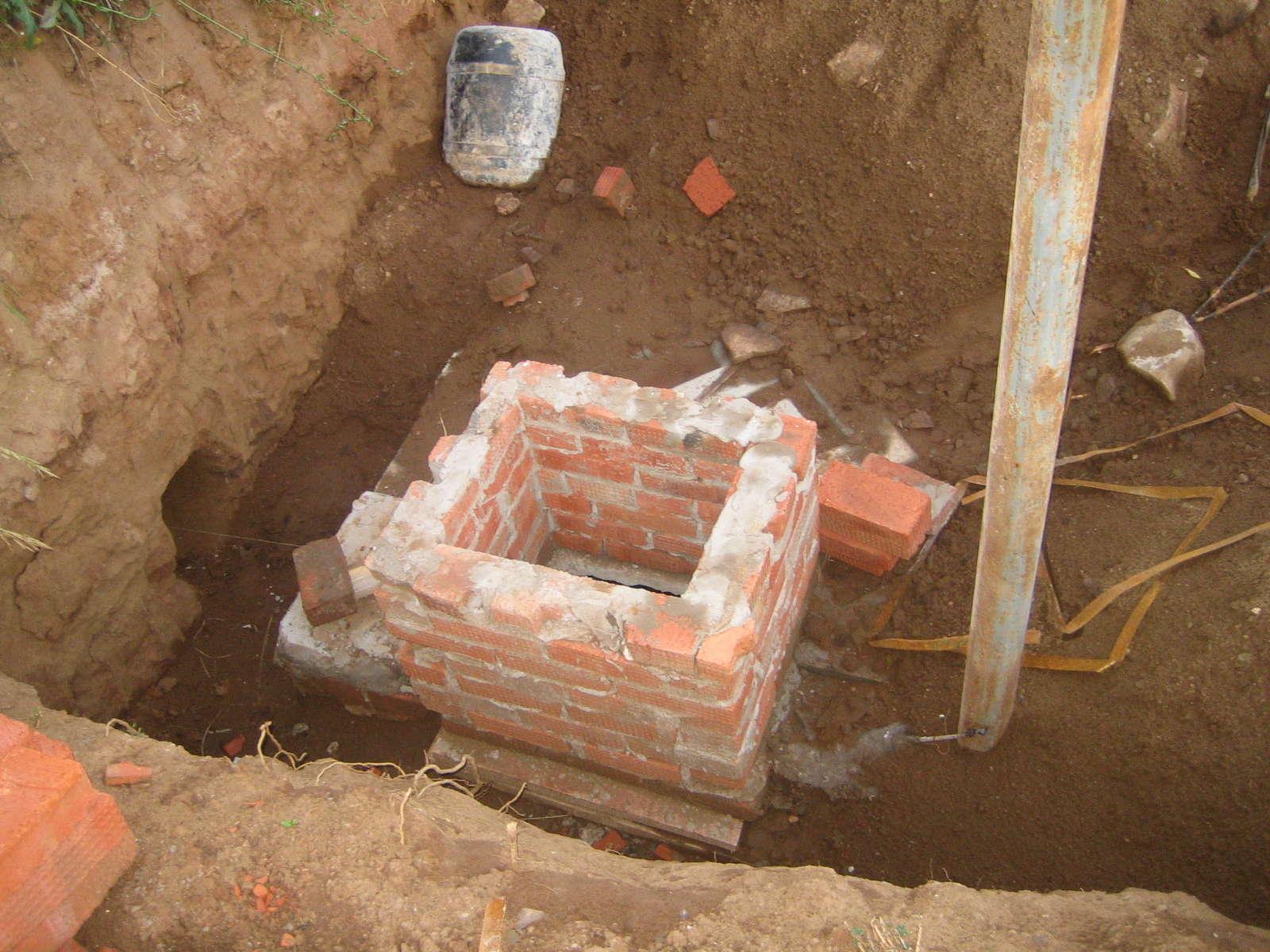 Как сделать сливную яму в частном доме своими руками? 52