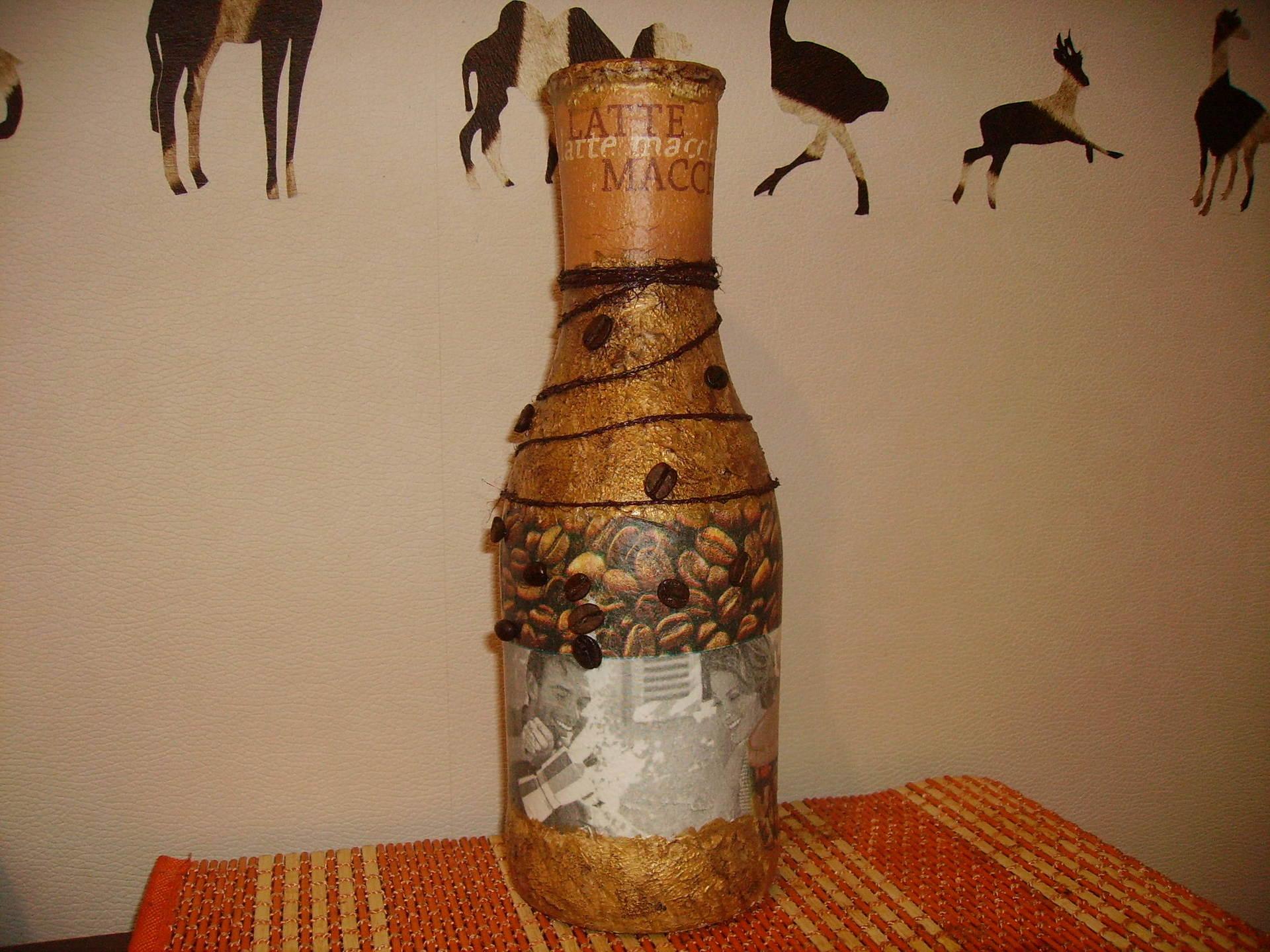 Поделки из кофейных зерен вазы