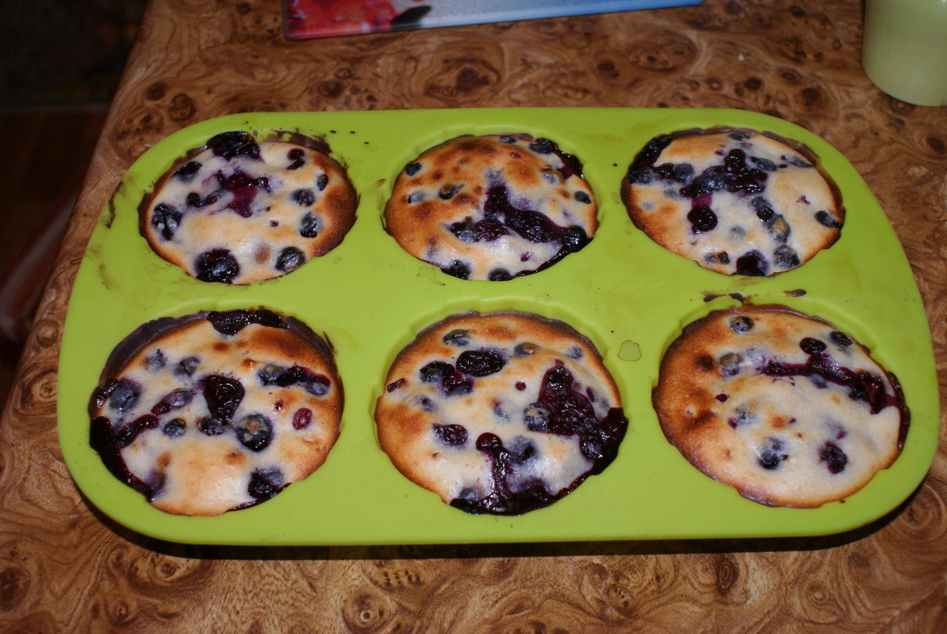 Пошаговый рецепт кексов с изюмом в силиконовых формочках