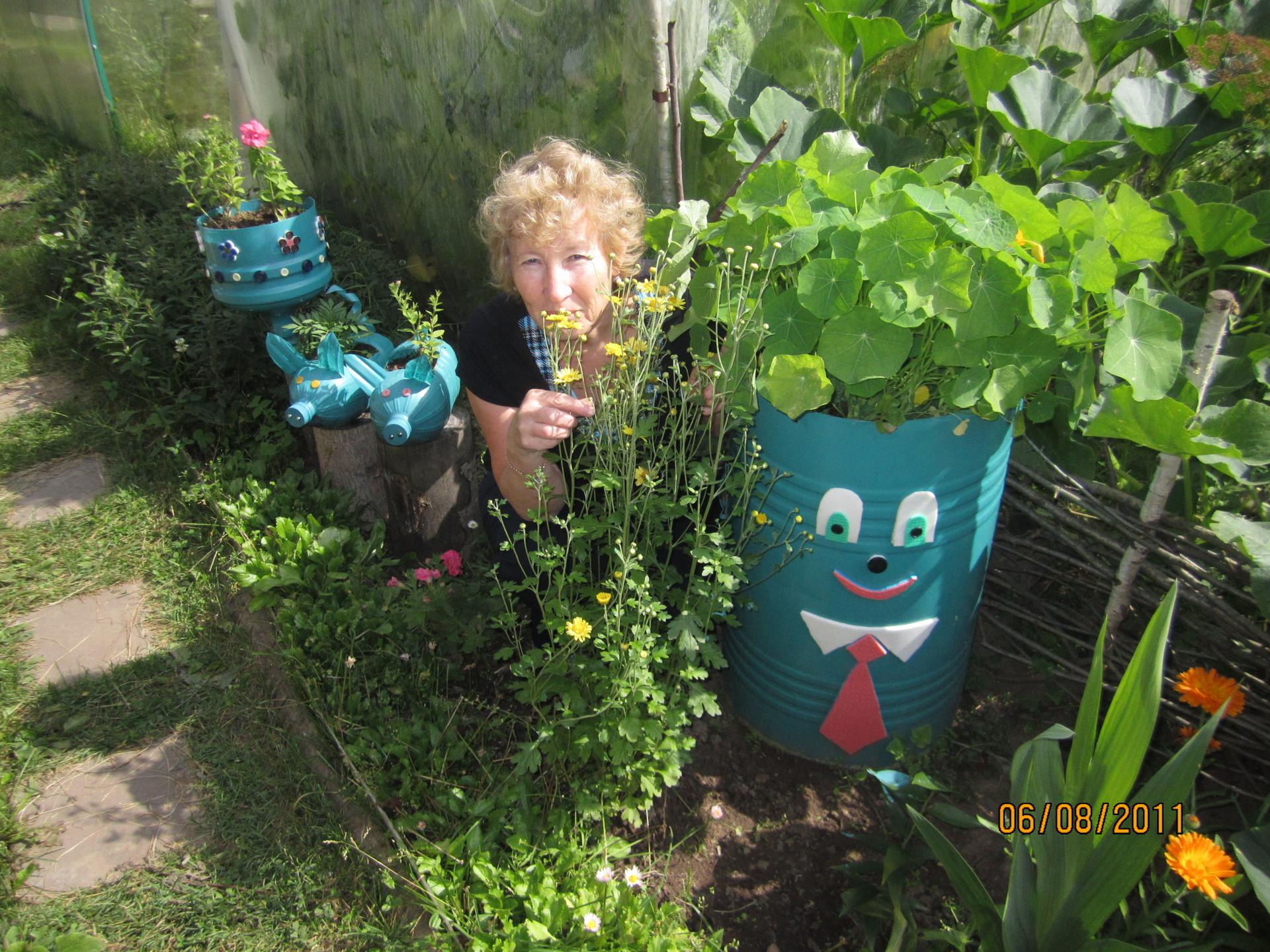 Идеи для сада и огорода своими руками с бутылок 284
