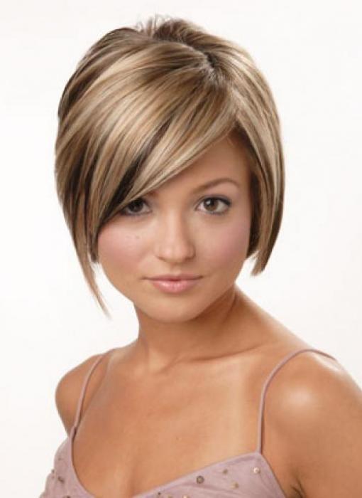 Существует огромное количество фото укладок волос,которые можно найти