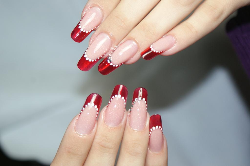 Дизайн на ногти формы миндаль