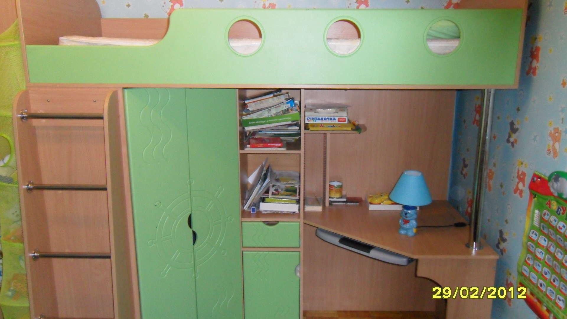 Детские кровати двухъярусные со шкафом и столом фото - порта.