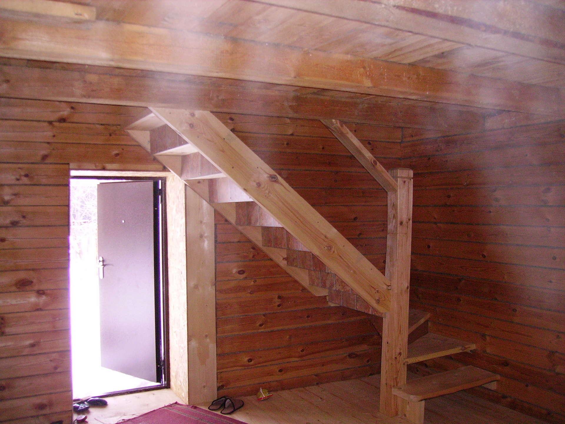 Как сделать лестницу для работы на крыше своими руками 60