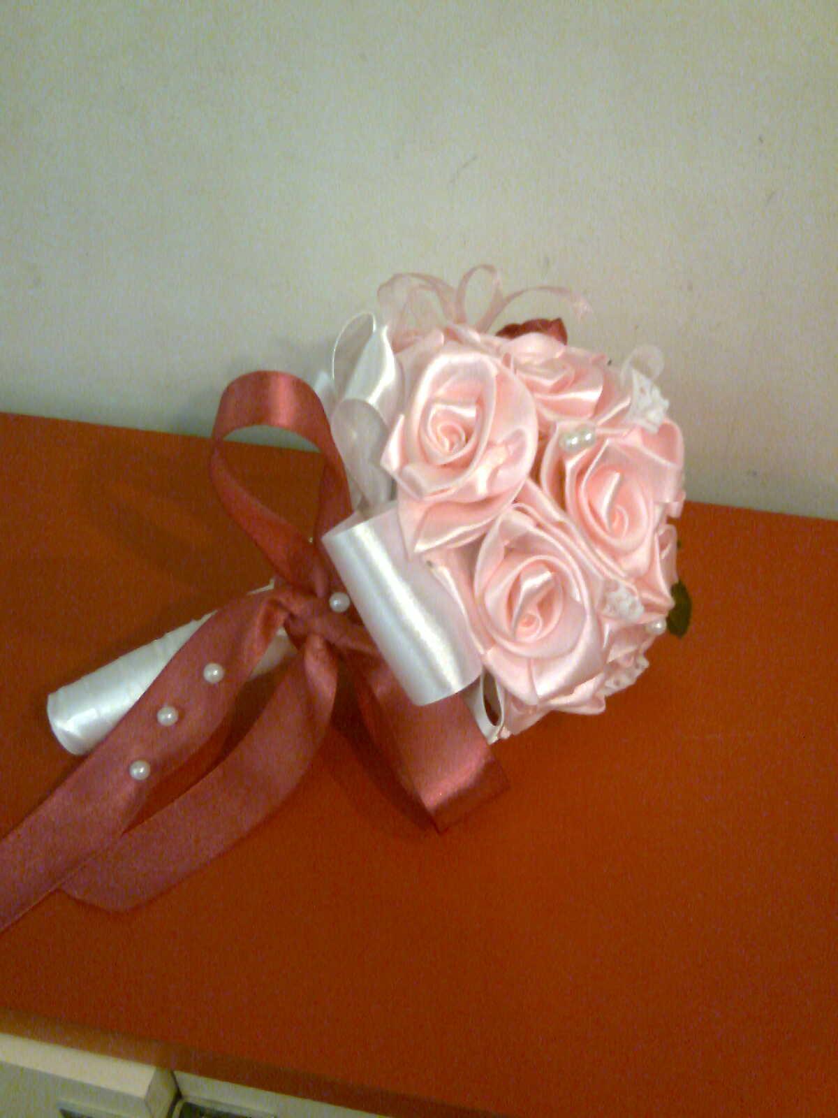 Сделать своими руками букет невесты из атласных лент 37
