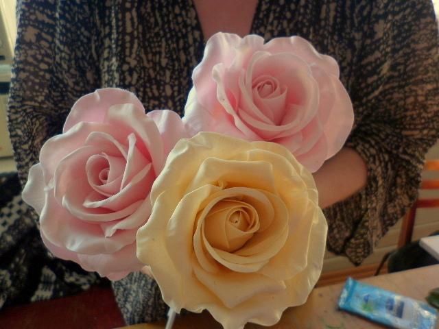 Как сделать розы из фарфора для начинающих
