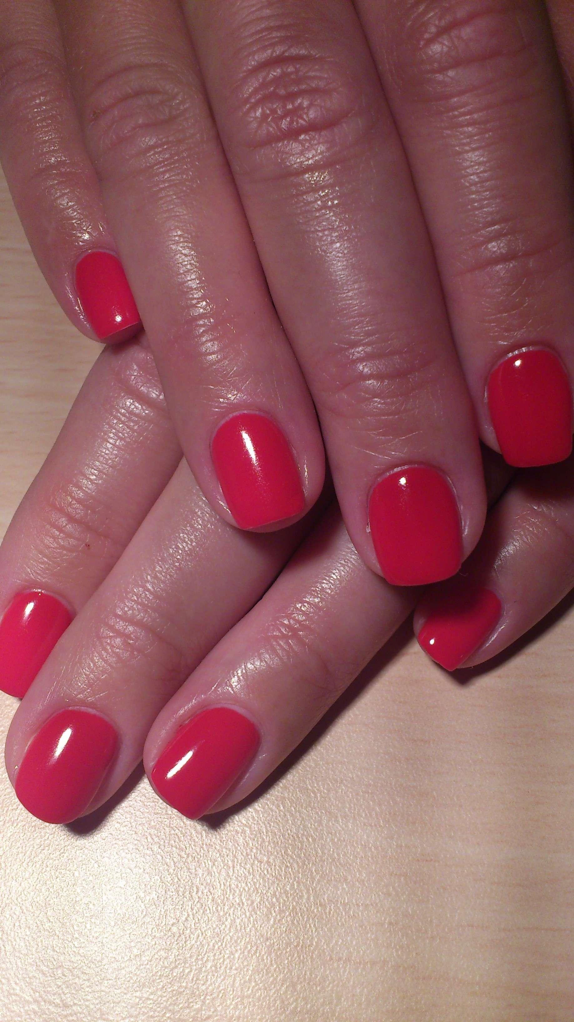 Ногти френч бордового цвета фото