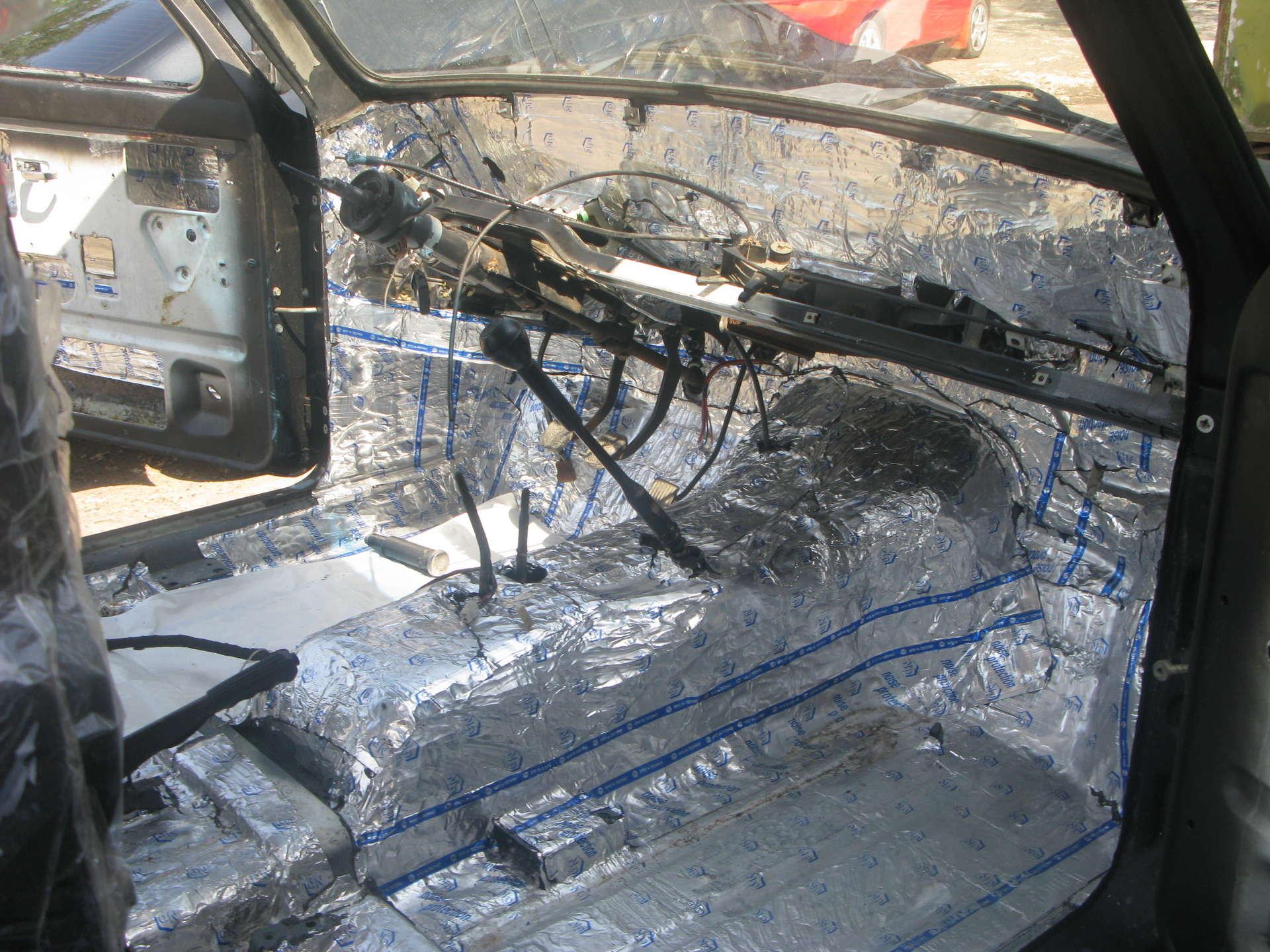 Фото №1 - шумоизоляция моторного отсека ВАЗ 2110
