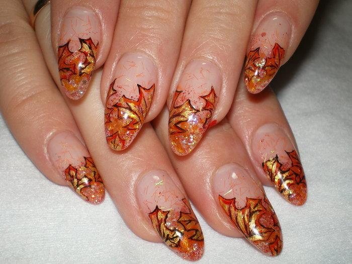 Рисунок осенний на ногти