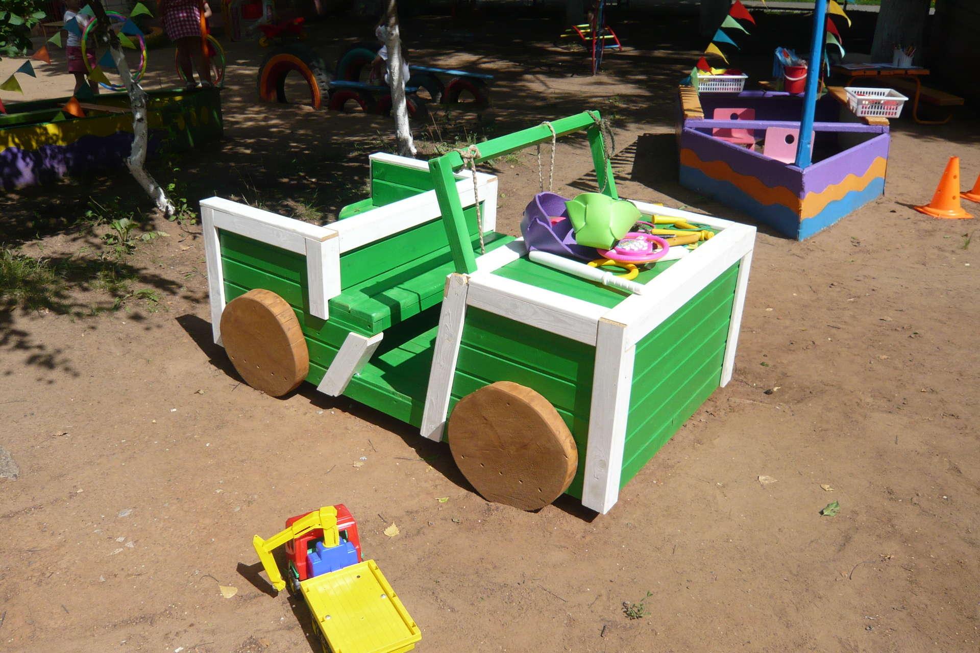 Машина своими руками для детей на даче своими руками