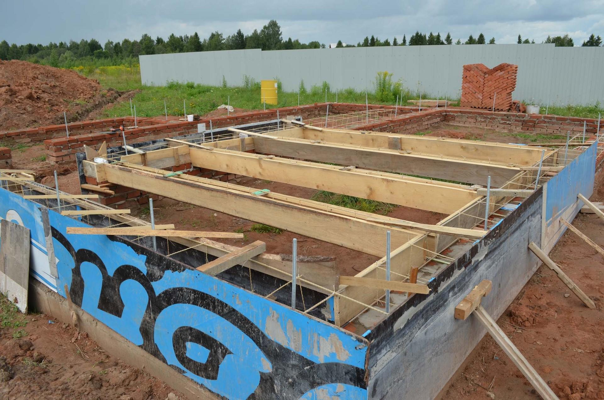 Строительство дома своими руками от и до фото