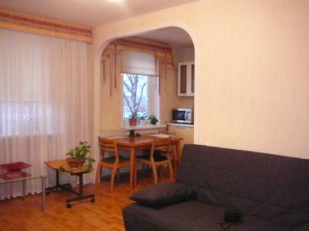 Продам 2-х комнатную квартиру ленинградской планировки холмо.