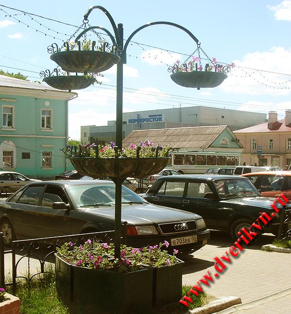 Уличные стойки для цветов