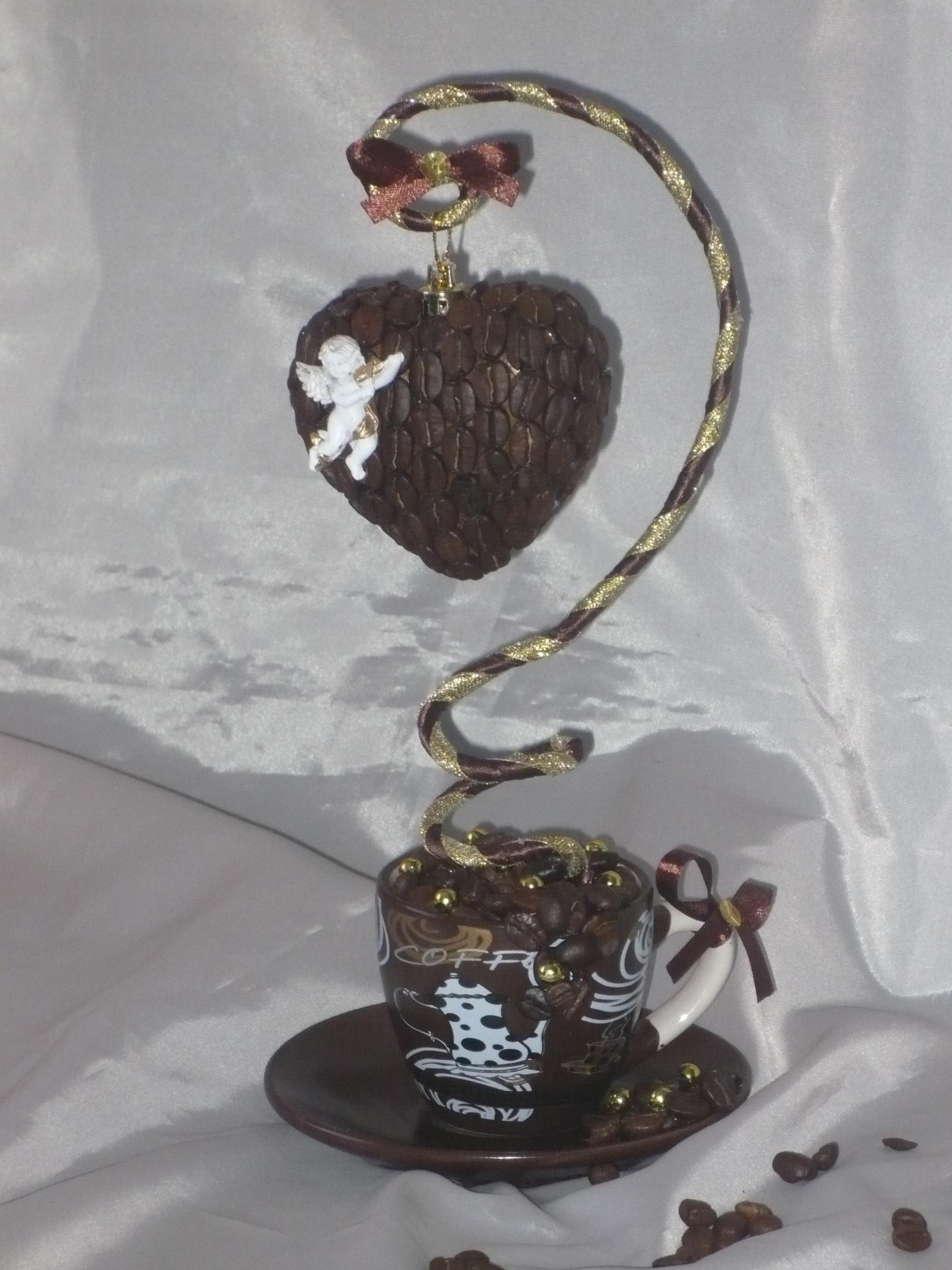 Поделка из кофе чашка с блюдцем 31