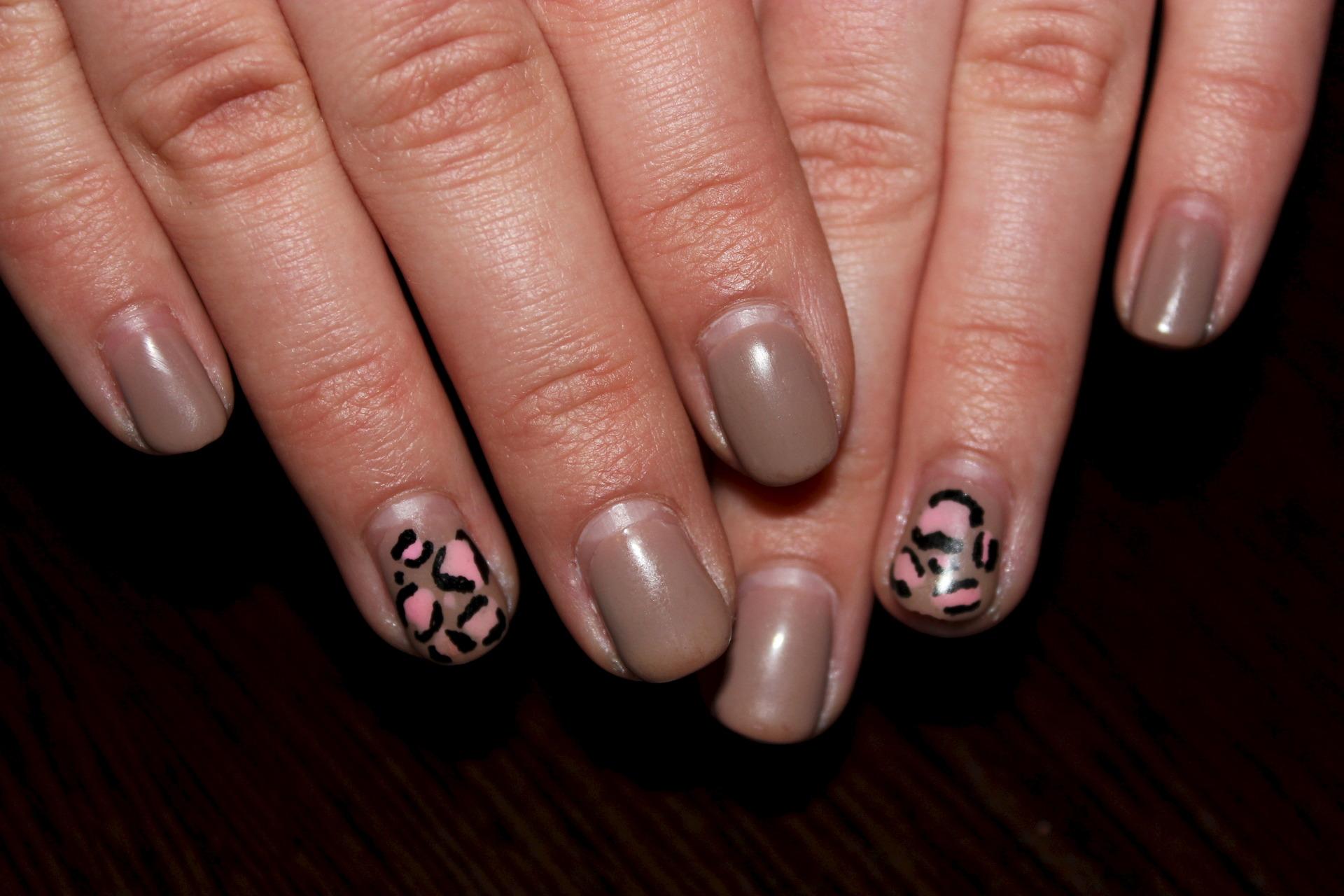 Фото отросших ногтей с гель лаком