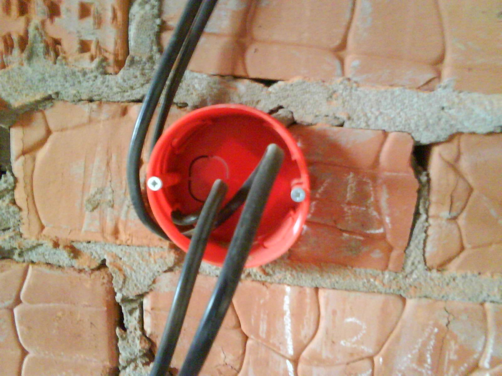Электропроводка в кирпичном доме