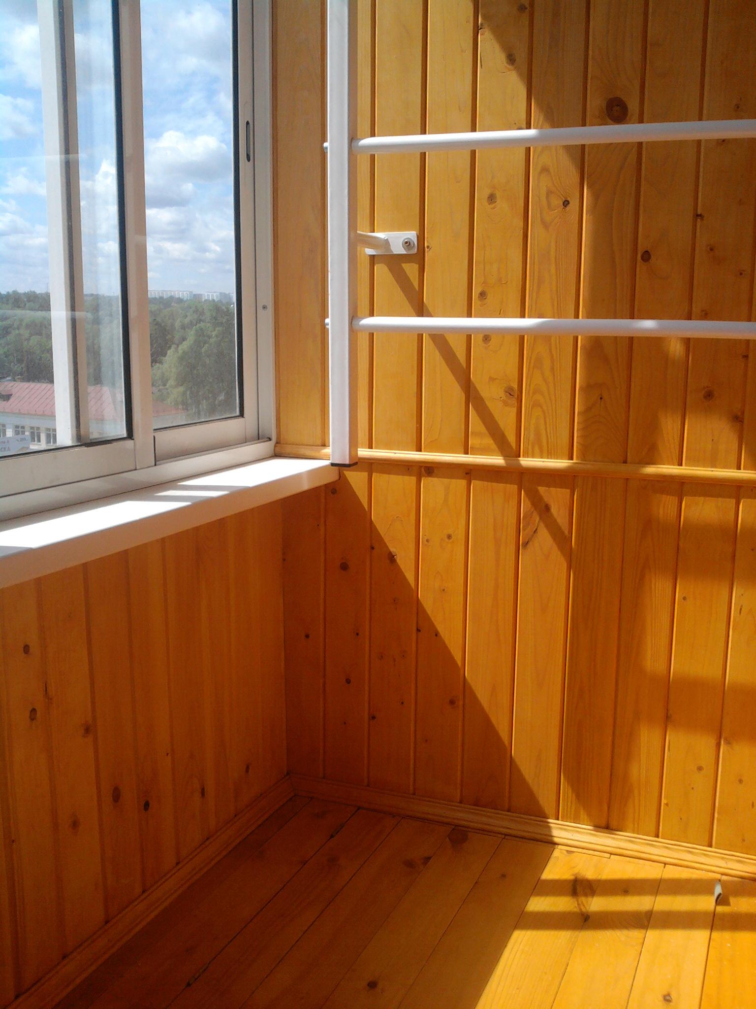 Установка порога на балконе