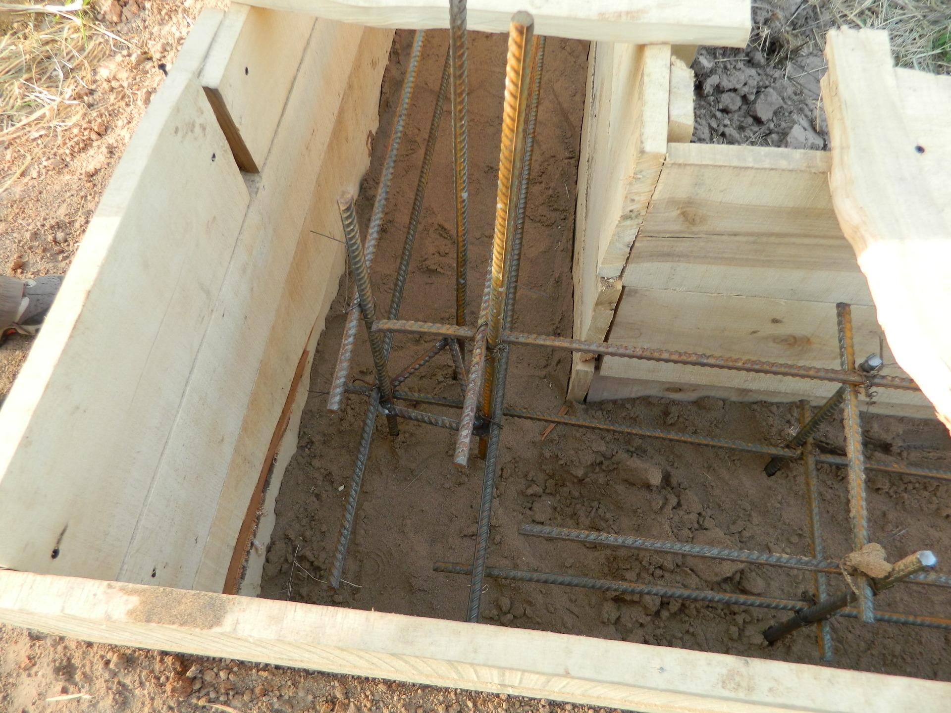 Как правильно сделать фундамент для дома из пеноблока 686