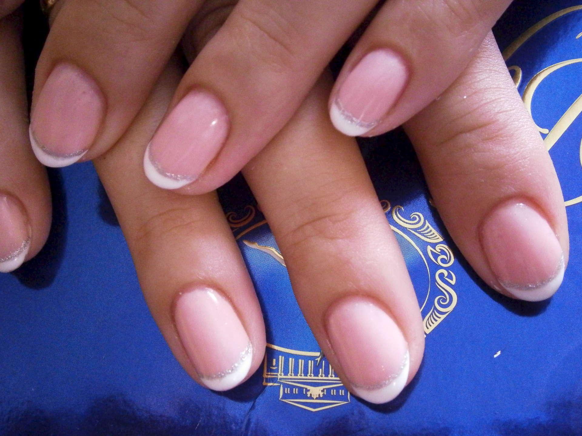 Фото ногтей с гель лаком французский
