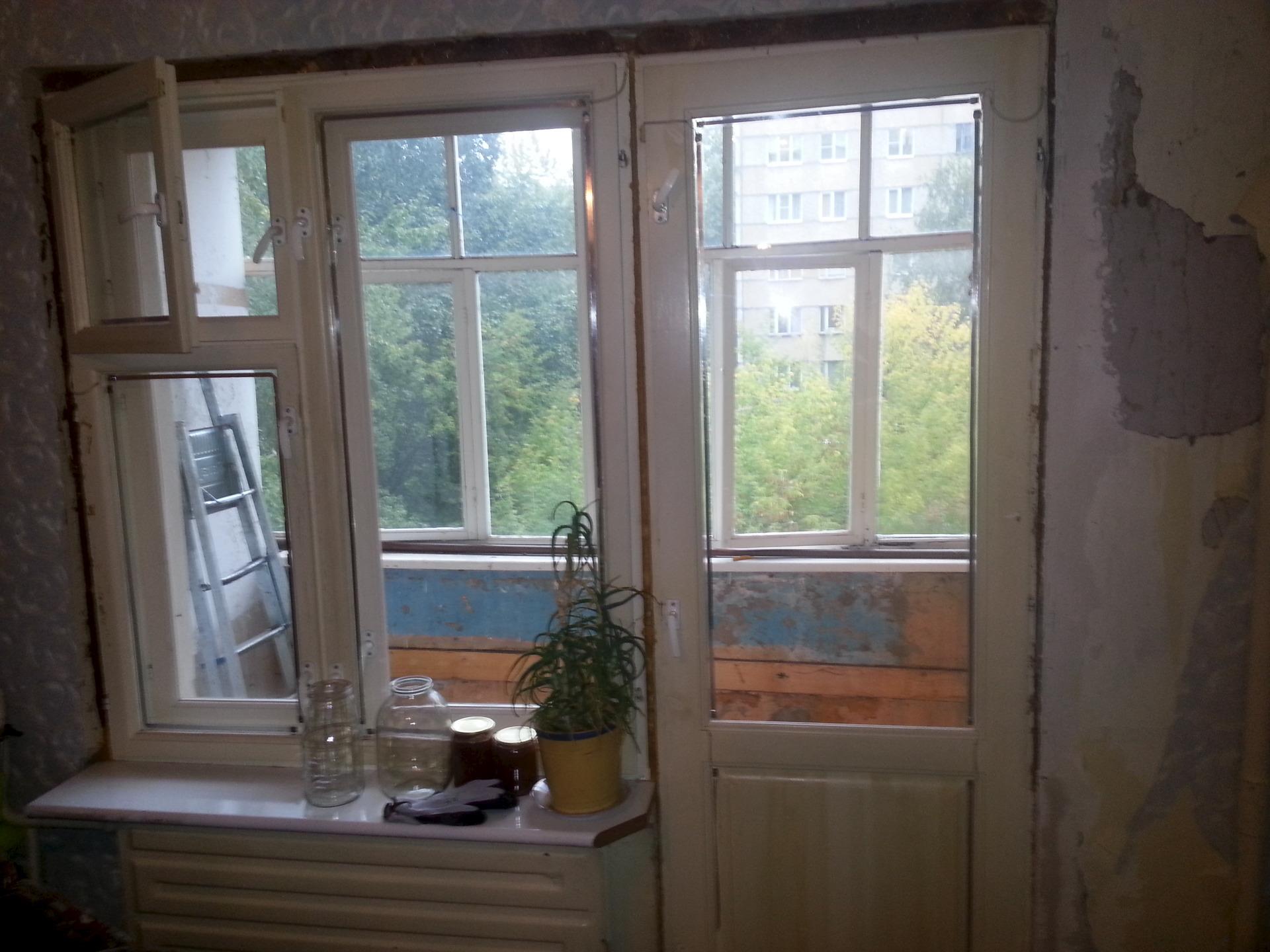 Продам деревянный балконный блок : стройматериалы - предложе.