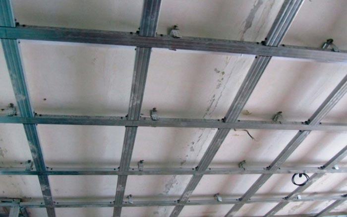 Как обшить потолок гипсокартоном своими руками видео