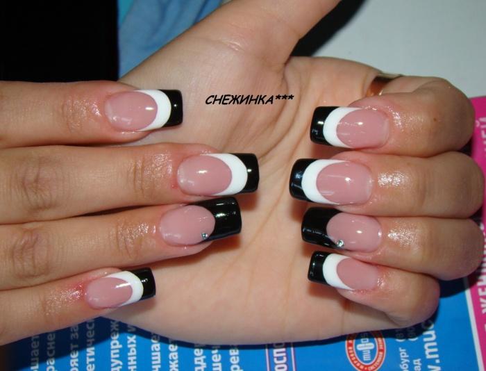 Фото френч черно белый ногти