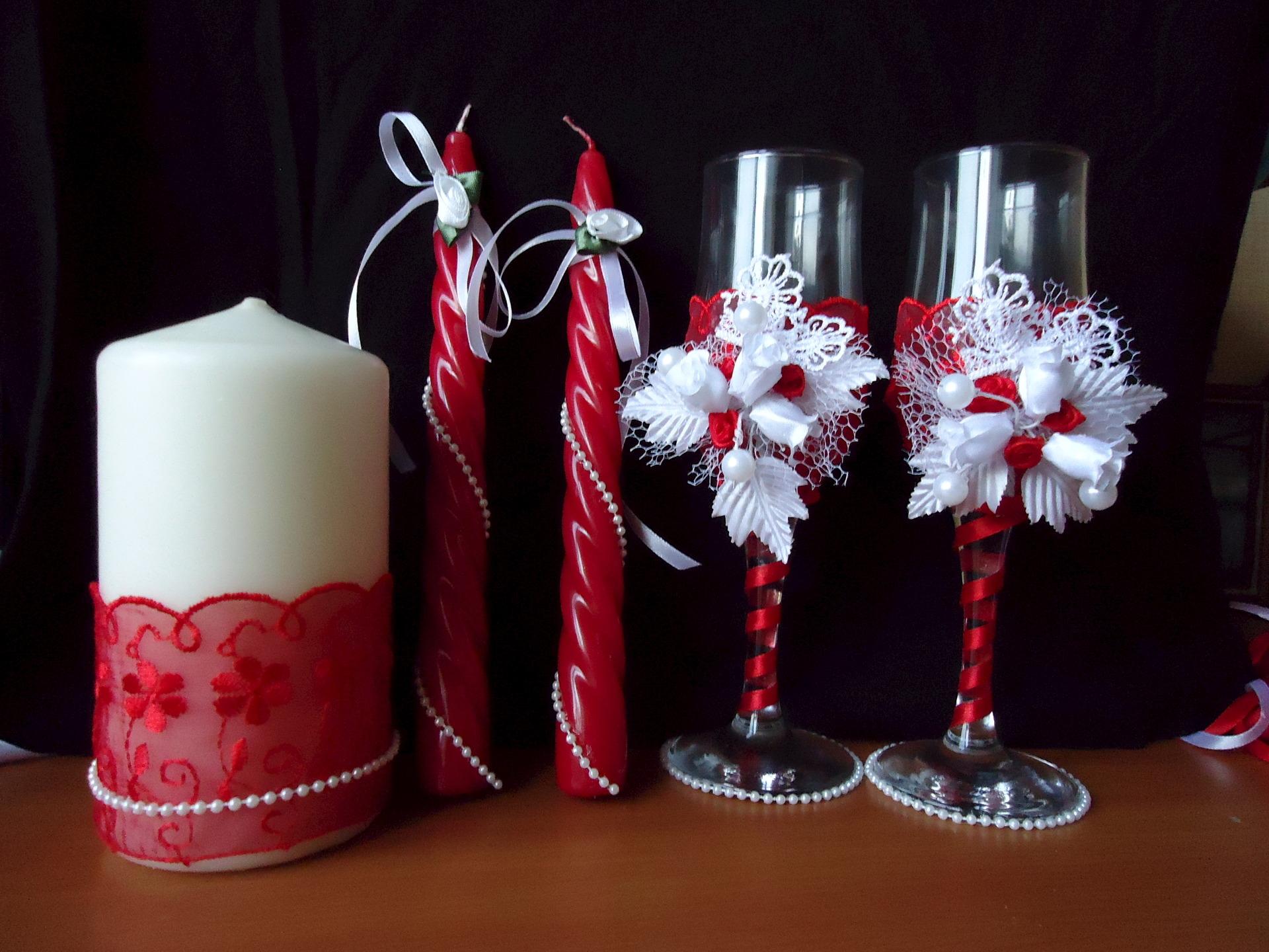 Как своими руками украсить фужеры на свадьбу