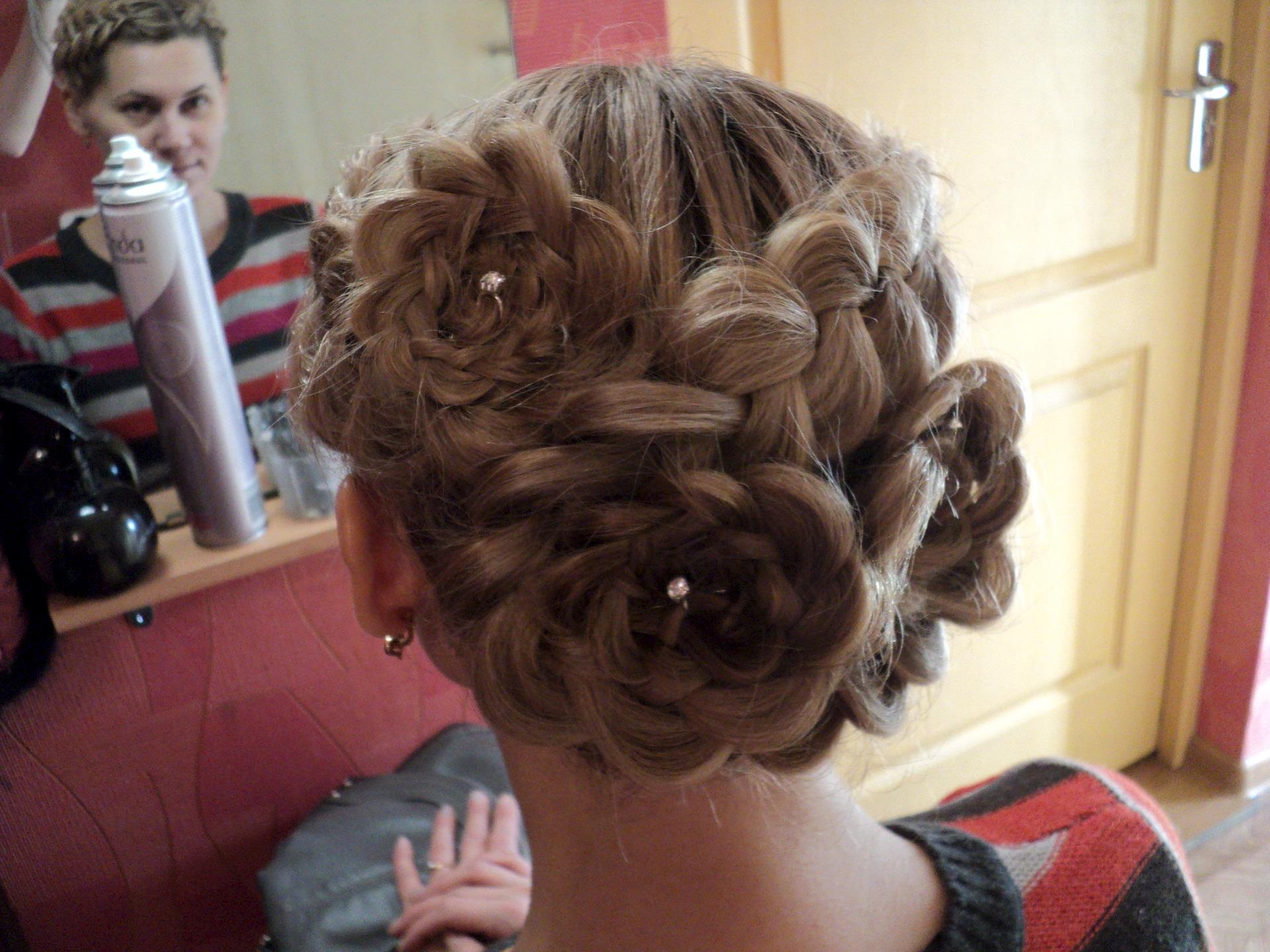 Прическа с косой и окрашиванием