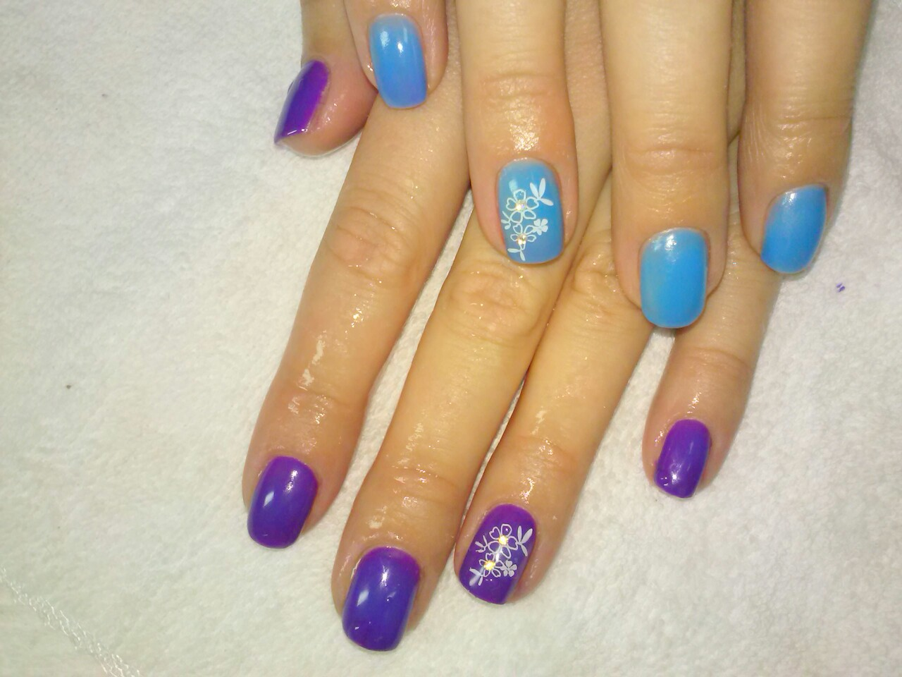 Шеллак фото дизайн на короткие ногти двумя цветами