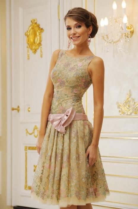 Вечерние платья на средний рост