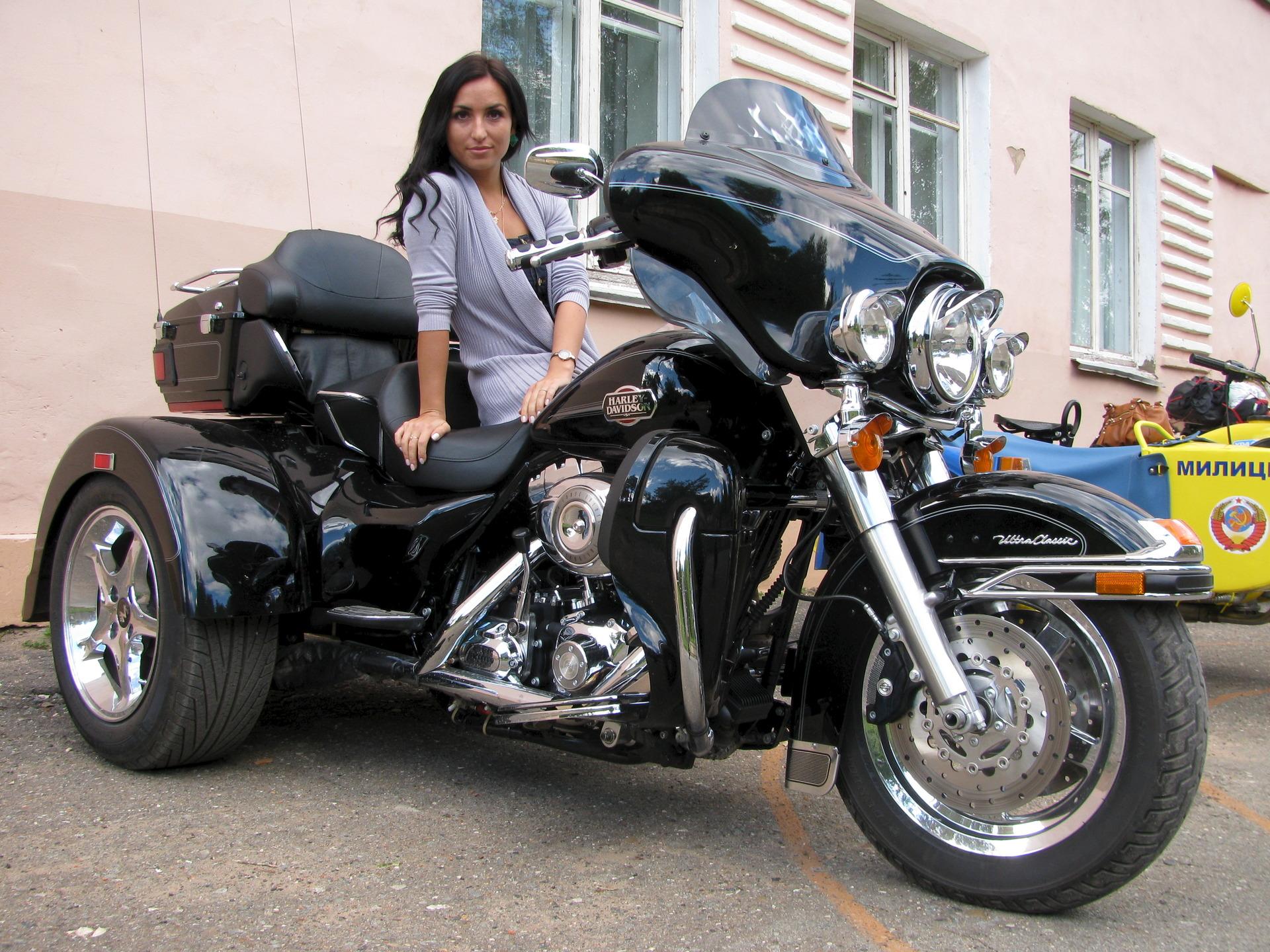 трёхколёсный мотоцикл