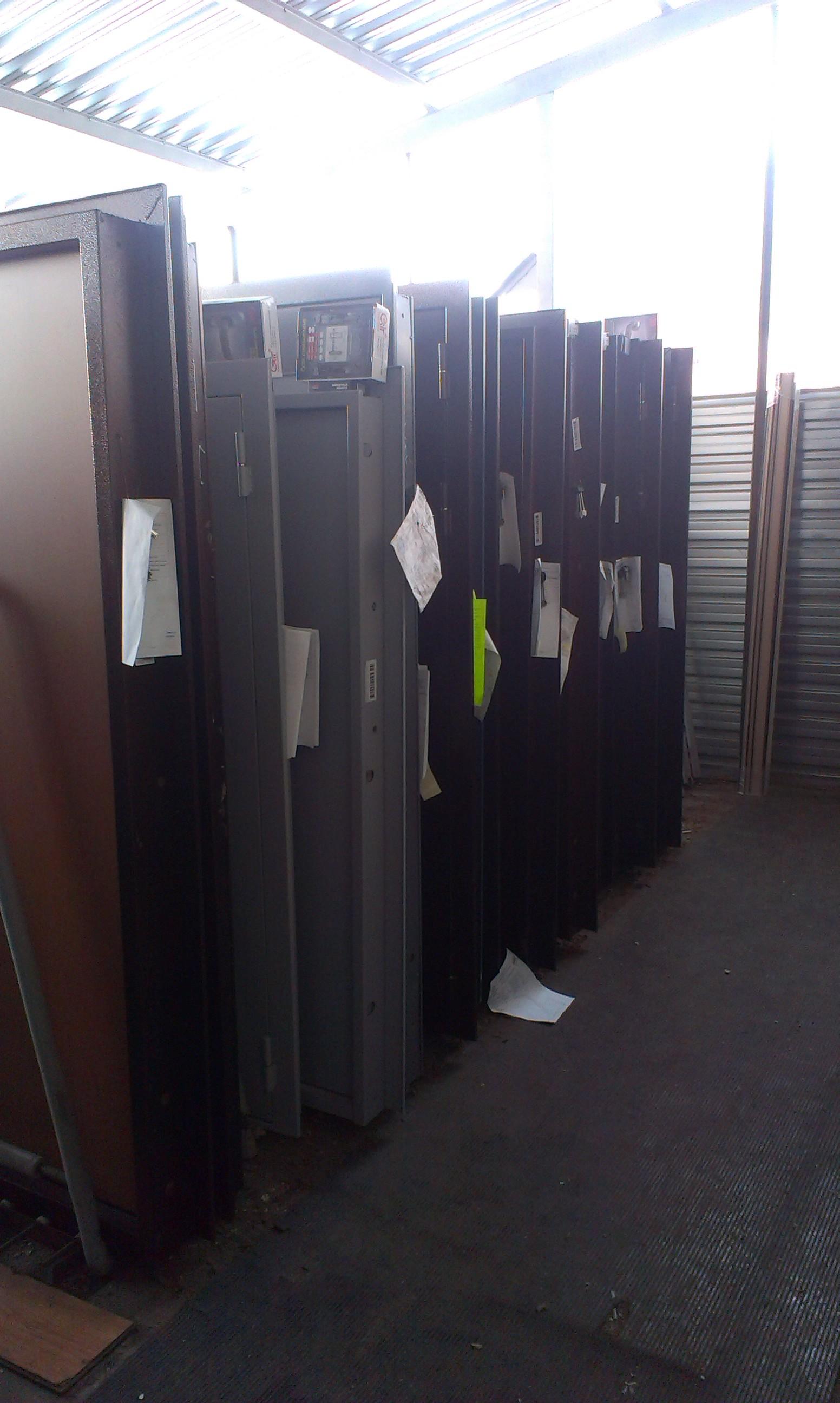 стальные двери со склада от производителя