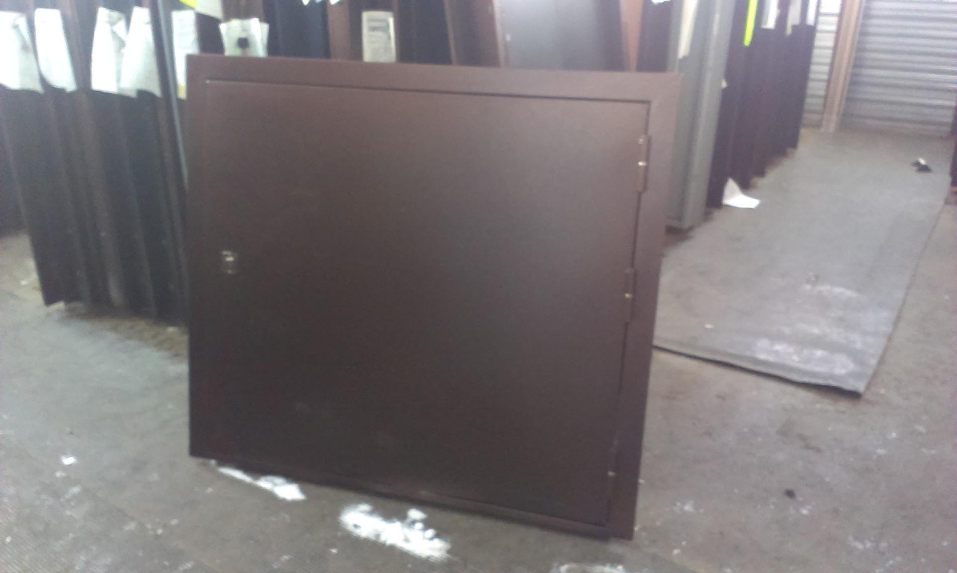двери металлические для складов