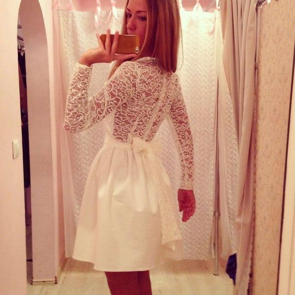 Золотой песок белые платья