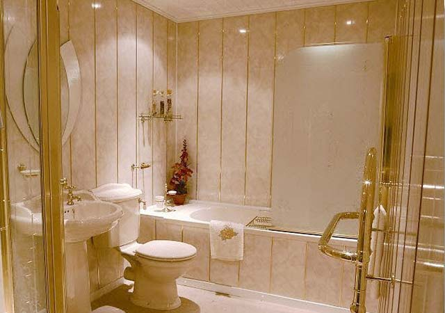 Отделка туалета сайдингом фото 1