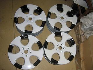 1920 X 1440 642.6 Kb Окраска автомобильных дисков