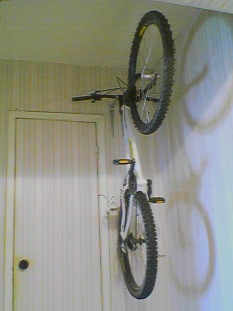 Крюк на стену для велосипеда своими руками