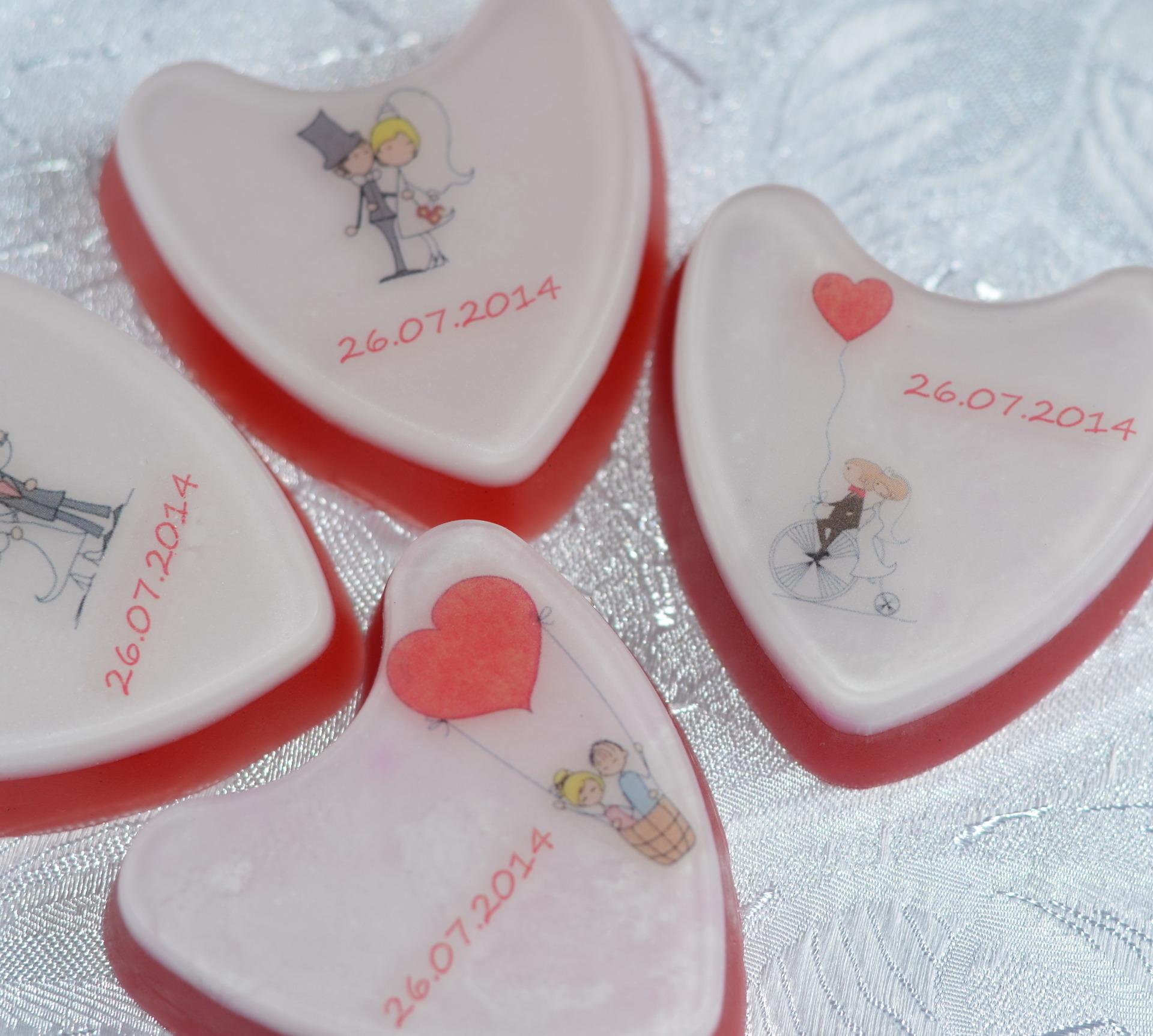 Что подарить родителям на розовую свадьбу