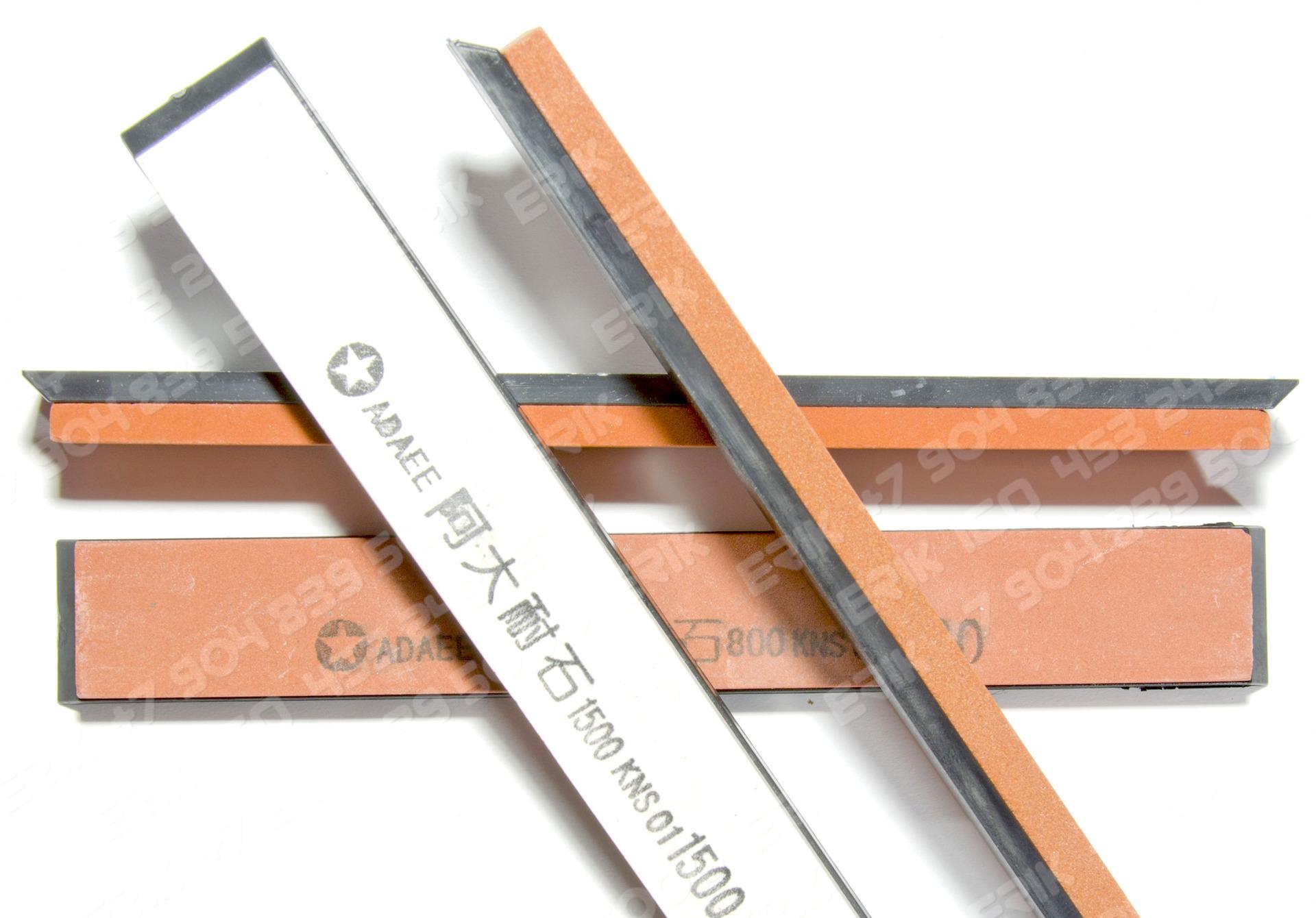 Точилка металлическая клиновидная форма 070.01.000