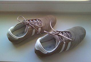 1600 X 1088 213.3 Kb Обувь женская 38 разм.: кроссовки и др.