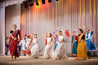 1920 X 1279 599.8 Kb 683 X 1024 156.6 Kb 1000 X 667 121.8 Kb Индийские танцы для детей и взрослых у Авроры парк!