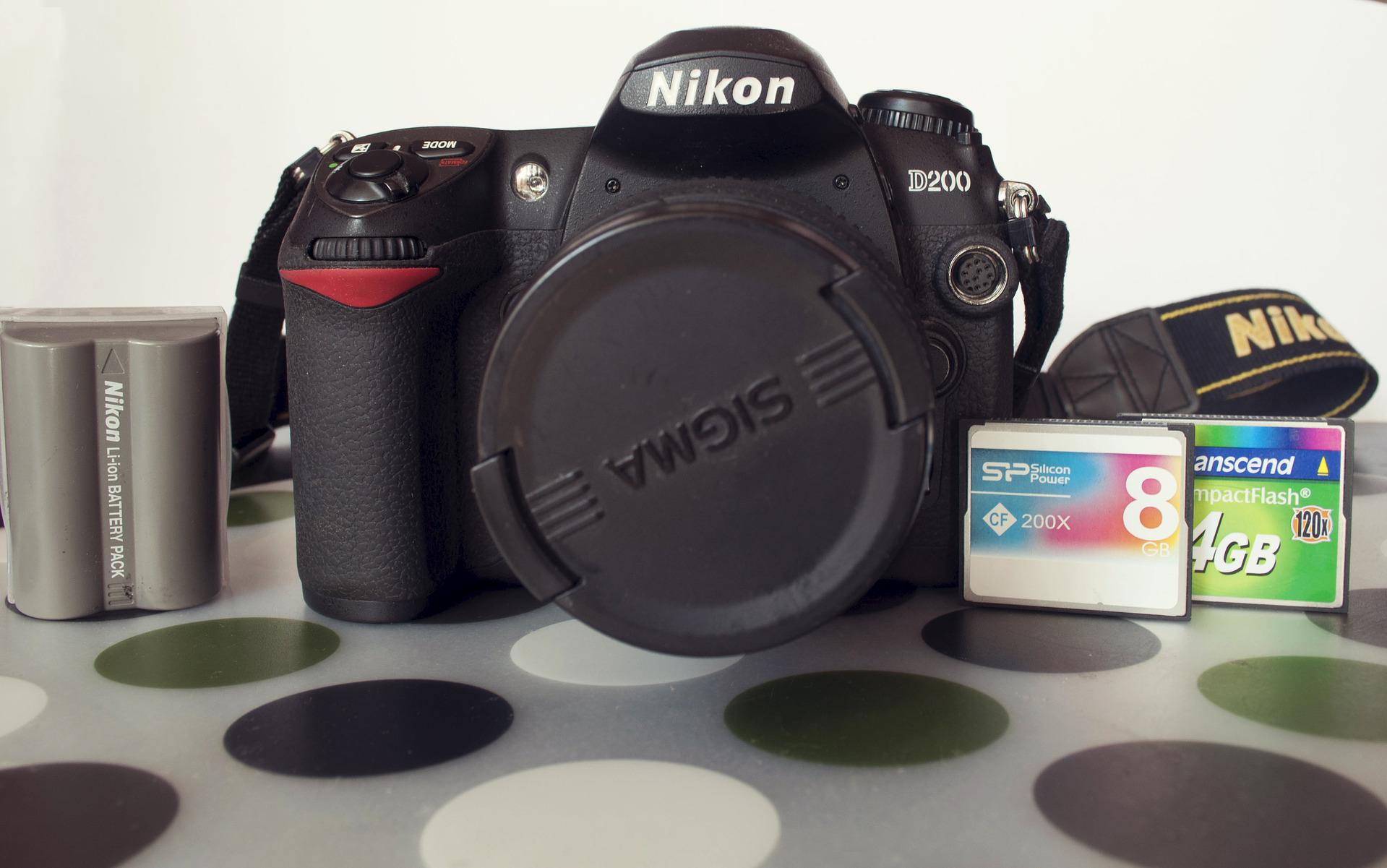 1 nikon d300s (body) в отличном состоянии, полный комплект (коробка, документы, диски, з/у)