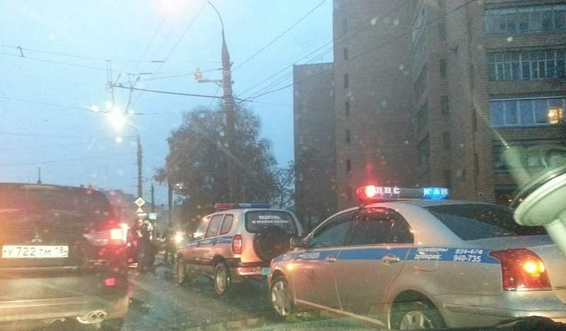 1280 X 748 170.2 Kb 12.10.2014 ДТП на перекрёстке ул. Орджоникидзе и Промышленная, 1 человек погиб