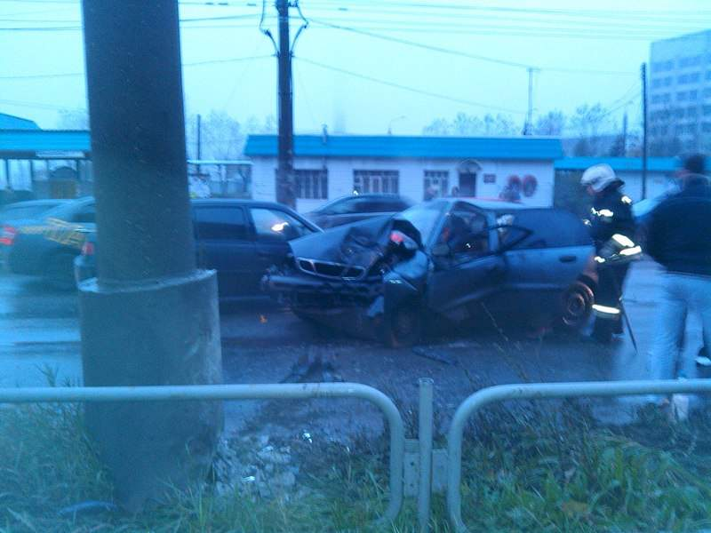 1280 X 960 208.7 Kb 12.10.2014 ДТП на перекрёстке ул. Орджоникидзе и Промышленная, 1 человек погиб