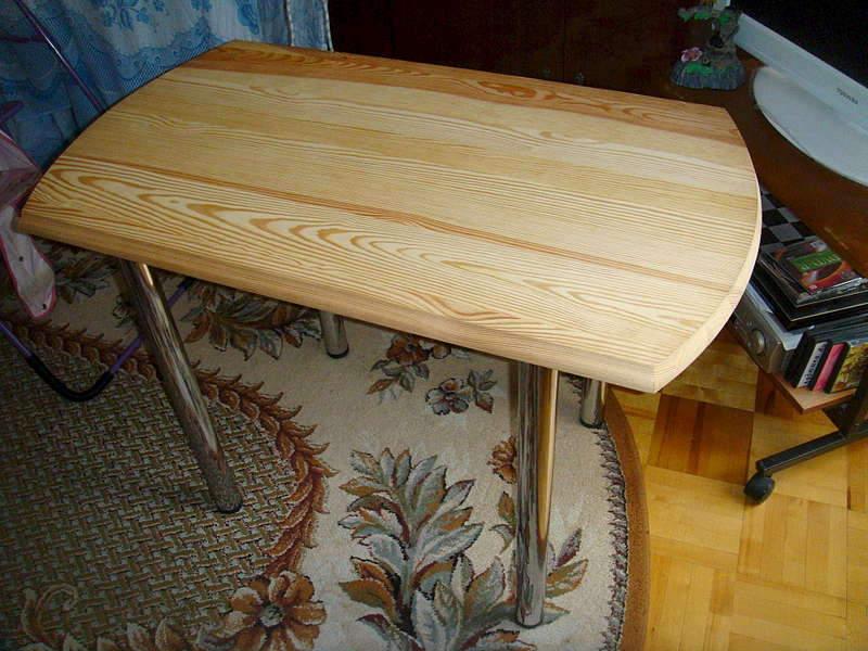 1920 X 1440 329.0 Kb продается стол на 4 ножках, двухярусная кровать из дерева