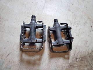 1920 X 1440 250.5 Kb Продам педали
